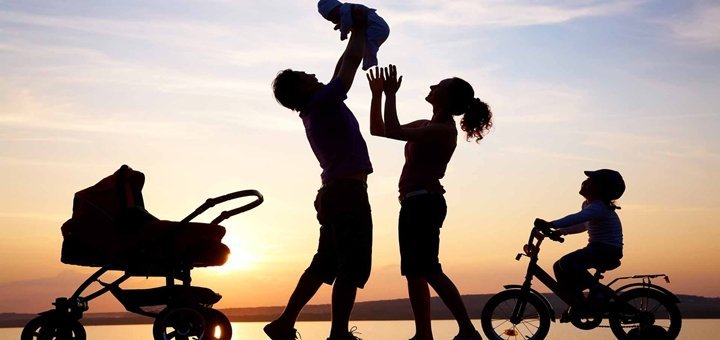 happy-family-silhouette-edit